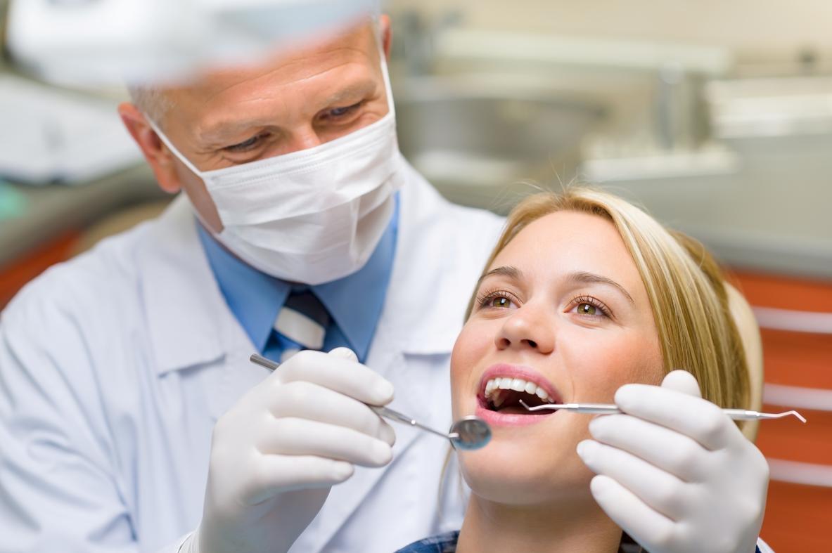 На месте удаленного зуба что ставят