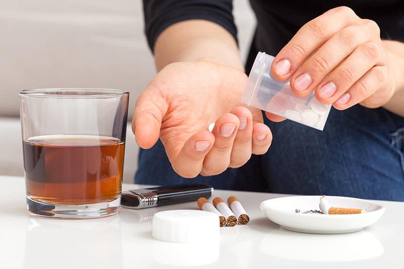 Прием лекарств и алкоголя