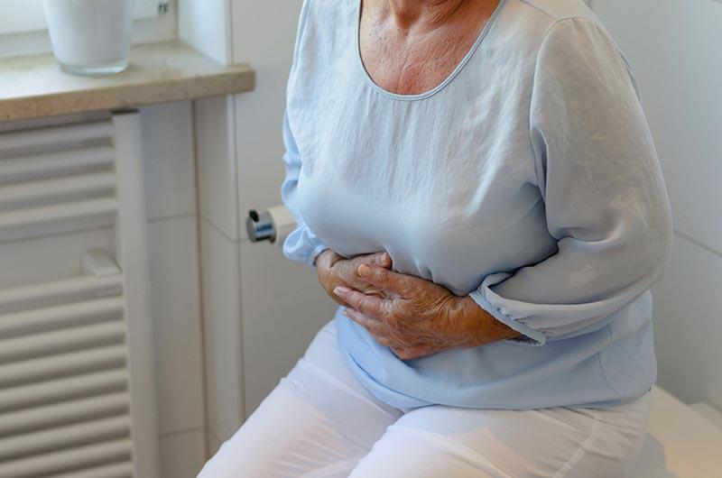 Запор у пожилых - причины и лечение